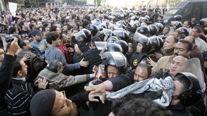 cairo-police-protesters-584